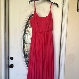 Dresses & Skirts - Maxi Pleated Dress Sz 12